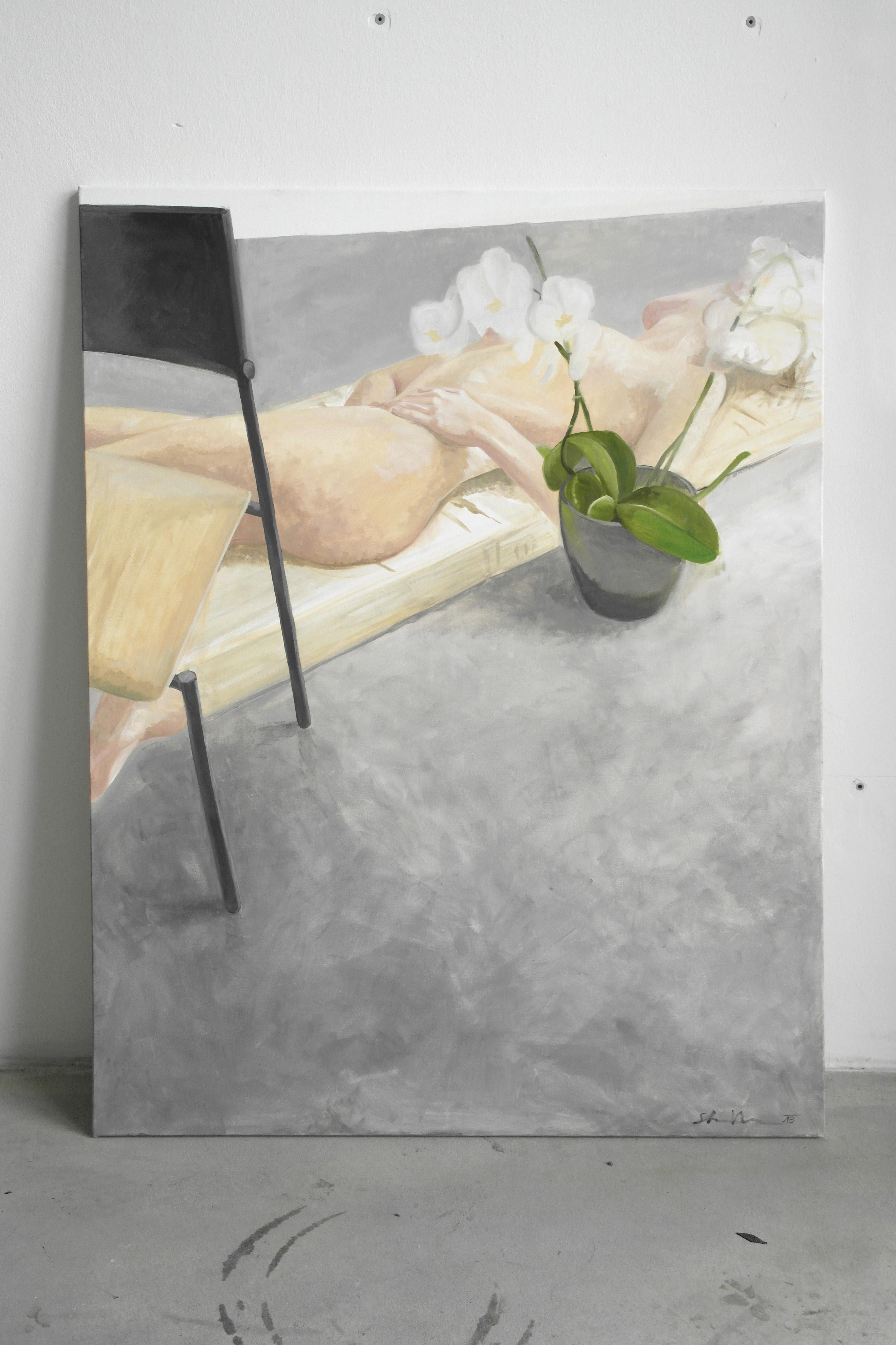 Stilleben mit Orchidee Sessel und Matratze